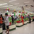 タイではお坊様もお買い物